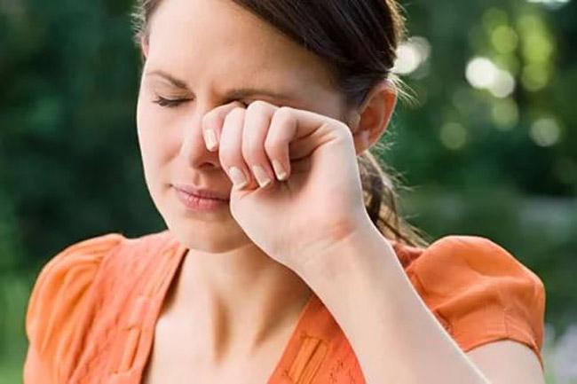 Боль в глазах и головная боль